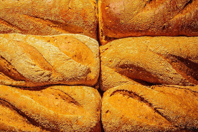 Frisch gebackenes Brot aus dem Ofen. von Jan van Dasler