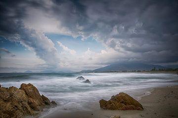 Sardinië, Italië, zonsondergang op strand Villaputzu sur Ineke Nientied