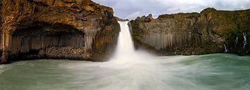 Panorama Aldeyjarfoss waterval te IJsland van