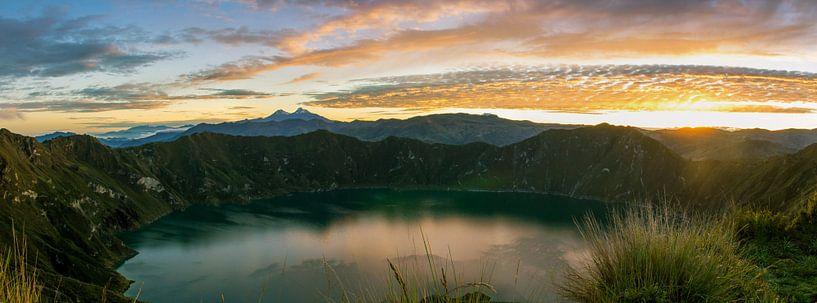 Sunrise Lake Quilotoa van Niels  Claassen