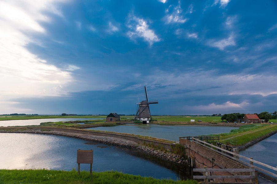 Water and Windmills van Brian Morgan