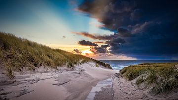 verlaten strandopgang van