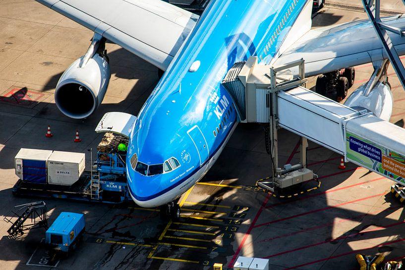 L'Airbus A330 de KLM à la porte sur Jeffrey Schaefer