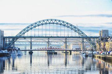 Vijf van de zeven bruggen in New Castle. van Richard Kuipers