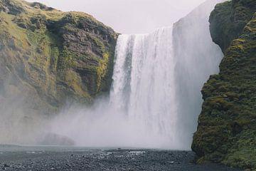 Skogafoss waterval  van