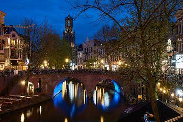 Sfeervol Utrecht, avondfotografie aan de Oude Gracht met uitzicht op de Dom van Ad Jekel