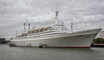SS Rotterdam afgemeerd in de Maashaven van