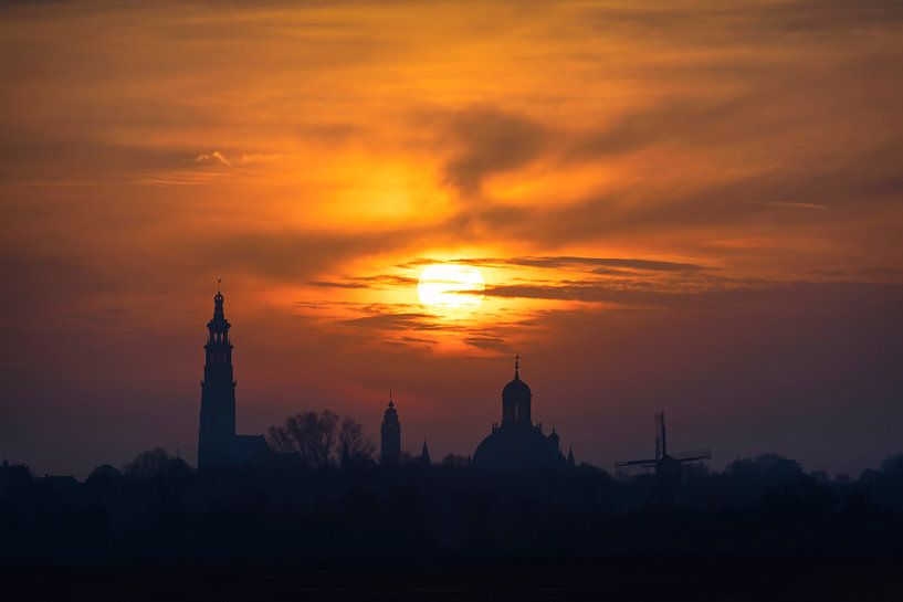 Walking on Fire (skyline Middelburg) van Thom Brouwer