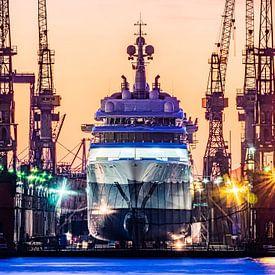 2015-02-18 éclipse d'un méga yacht sur Joachim Fischer