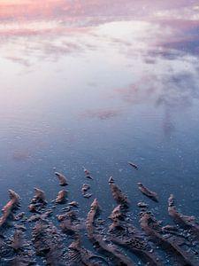 Untergehende Sonne bei steigendem Wasser von Laura-anne Grimbergen