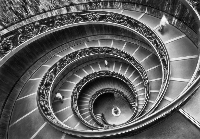 Escalier en colimaçon au musée du Vatican sur Marcel van Balken