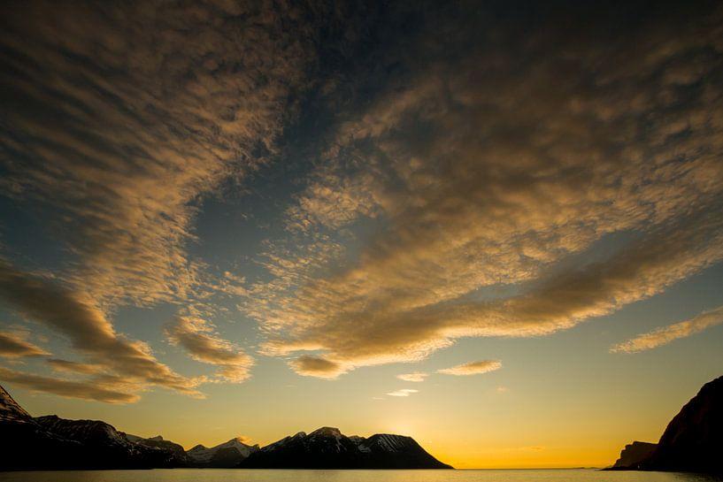 Middernachtzon in Noorwegen van Dirk Jan Kralt