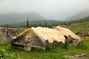 Photo de paysage montrant un ancien tombeau à Pamukkale, Turquie | Photographie de voyage.