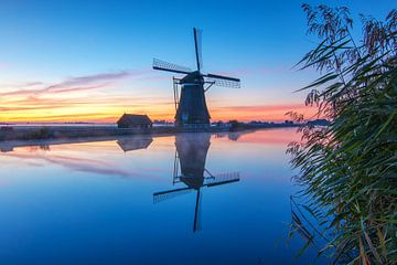 Sunrise in Groot Ammers van Ilya Korzelius