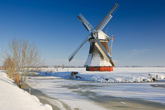 Krimstermolen in winter, Zuidwolde, Groningen