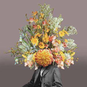 Zelfportret met bloemen 2 (heartwood achtergrond) van