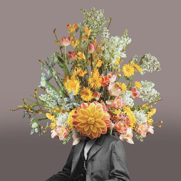 Zelfportret met bloemen 2 (heartwood achtergrond) van toon joosen