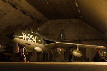 Hawker Hunter in een shelter van