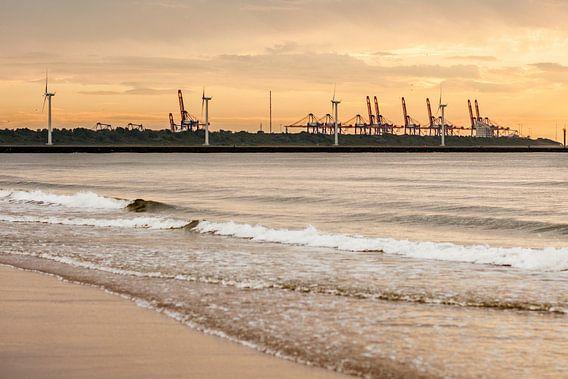 Haven bij zonsondergang