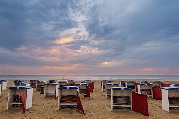Strandhuisjes op het Strand van Katwijk van Martijn van der Nat