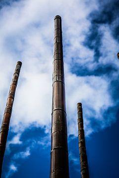 Bamboe stokken van het windorgel in Vlissingen (Zeeland) van Fotografie Jeronimo
