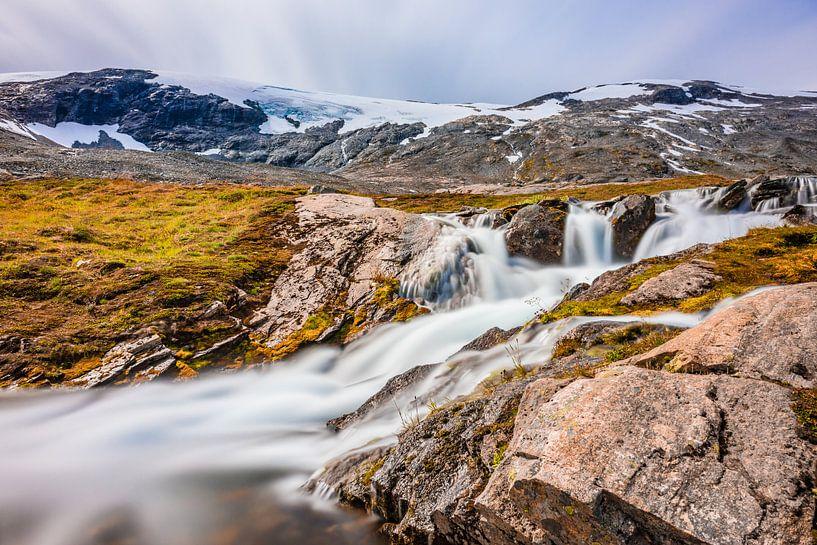 Waterval bij de Geiranger Gletsjer in Noorwegen van Wouter Loeve