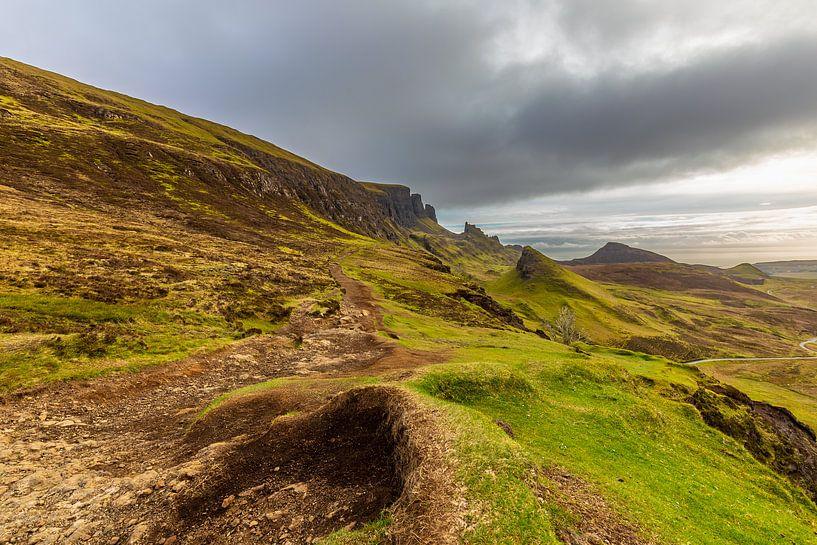 Schotland Isle-of-Skye: waanzinnig uitzicht Quiraing van Remco Bosshard