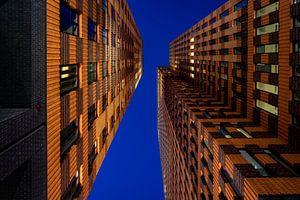 Architectuur fotografie op de zuid as in Amsterdam tijdens blauwe uur
