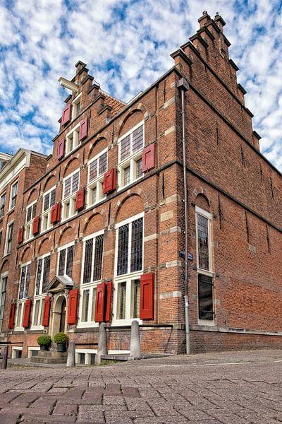 Oud koopmanshuis op een hoek in Amsterdam van Sjoerd van der Wal