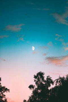 Maan zonsondergang van Isa V