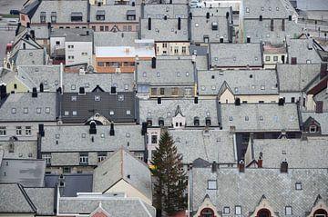 Roofs of Ålesund van Hans Kool