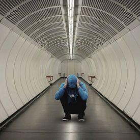 blue hoodie man tunnel zw von H.m. Soetens
