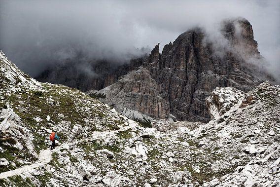Hiking in the Italian Dolomites van Ellen van Drunen