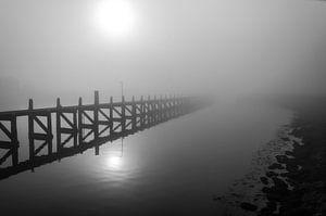 Aanleg steiger in Harlingen in de mist
