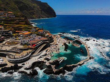 Drone-foto natuurlijk zwembad Madeira - Porto Moniz van Jan-Maarten Kreulen