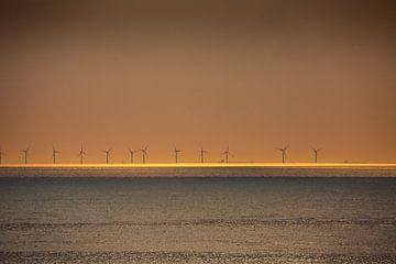 Windmolens bij zonsondergang 3 von Fred Icke