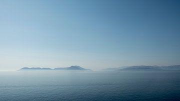 Vroeg in de ochtend, uitkijkend op Kefalonia, Griekenland van Sven Wildschut