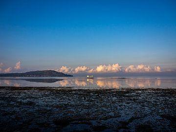 Morgenglühen über der ausgetrockneten Küste von Rik Pijnenburg