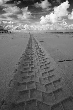 Piste sur la plage sur Romuald van Velde