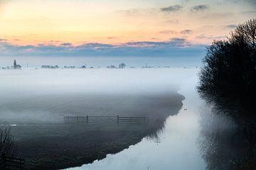 Mistige ochtend van Inge van den Brande