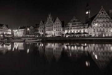 Le Graslei à Gand dans la nuit sur MS Fotografie | Marc van der Stelt