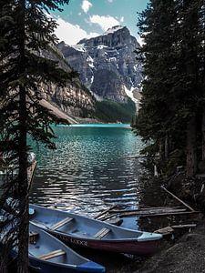Moraine Lake in Canada van Koen Lipman