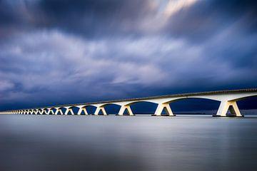 Pont maritime après la tempête sur Vincent Fennis