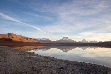 Zonsopkomst in de Atacama woestijn. van