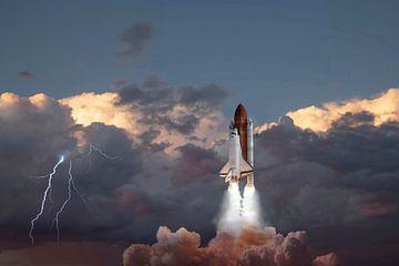 Space Shuttle lancering, met onweer. van Gert Hilbink