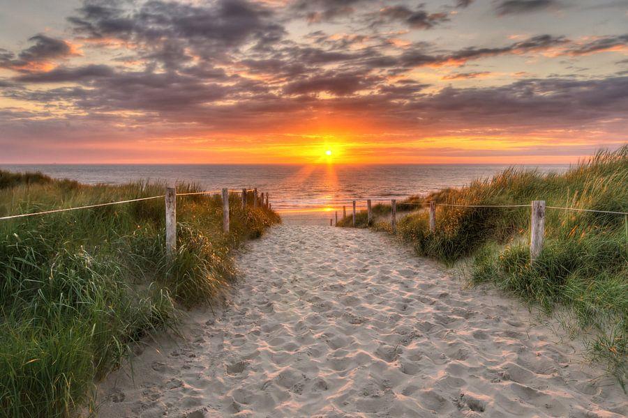 Zonsondergang Texel, nabij De Koog van Hugo Meekes