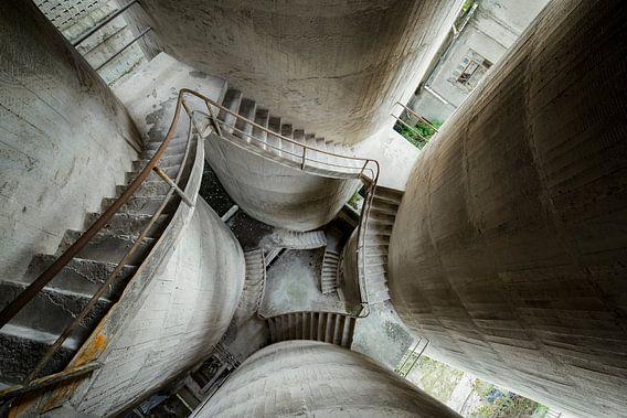Escalier en béton abandonné