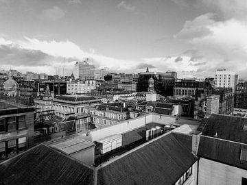Schwarz-weißes Stadtbild von Glasgow, Schottland von Deborah Blanc
